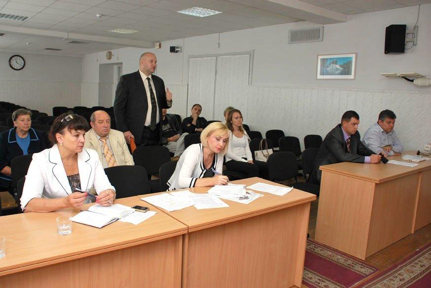 Днепропетровские налоговики пока только думали, что делать с коррупцией (ФОТО), фото-2
