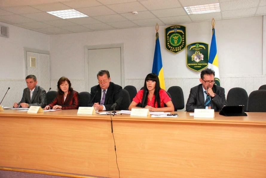 Днепропетровские налоговики пока только думали, что делать с коррупцией (ФОТО), фото-1