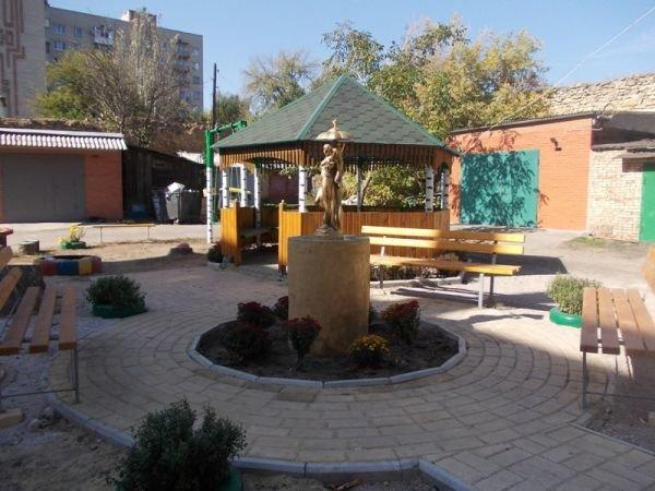 В одном из артемовских дворов появился фонтан, фото-6