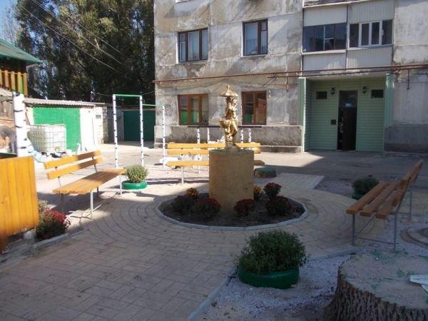 В одном из артемовских дворов появился фонтан, фото-10