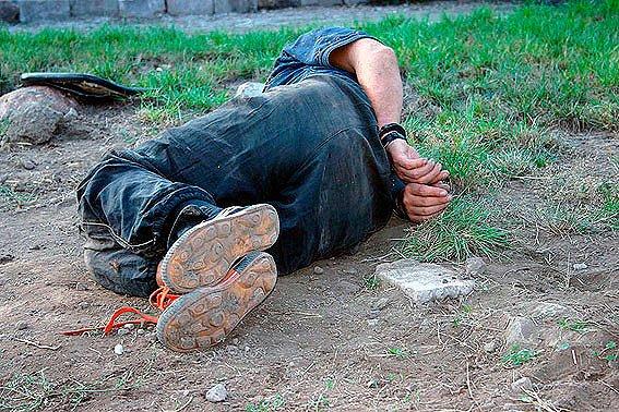 В Министерстве МВД думают, как наградить смелого мариупольского милиционера  (ФОТО), фото-2