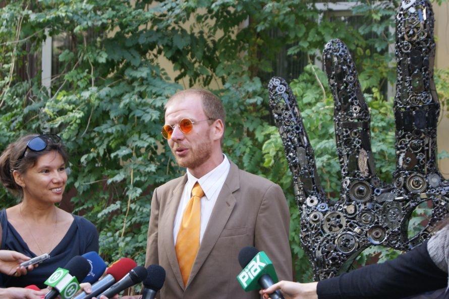 В Одессе открыли первый в СНГ памятник в честь Стива Джобса (фоторепортаж), фото-8
