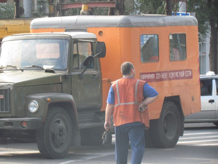 В центре Мариуполя парализовано движение: стоят троллейбусы (ФОТО), фото-5