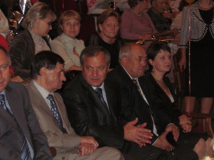 В Мариуполе чествовали педагогов (Фоторепортаж) , фото-3