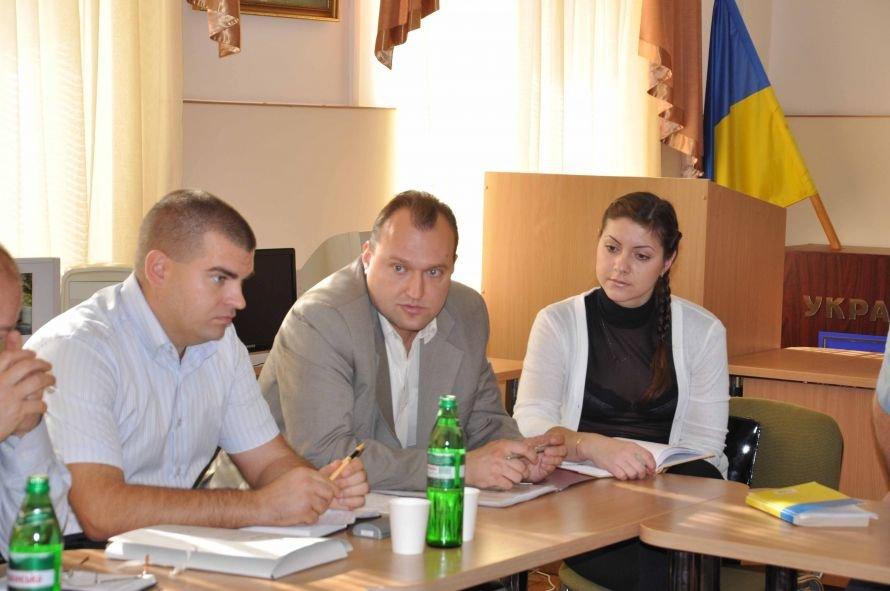 Днепропетровские таможенники хотят загнать декларации в компьютер (ФОТО), фото-1