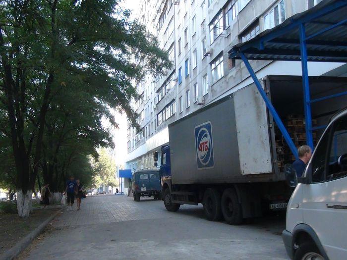 В центре Мариуполя фура разнесла светофор (ФОТО), фото-9