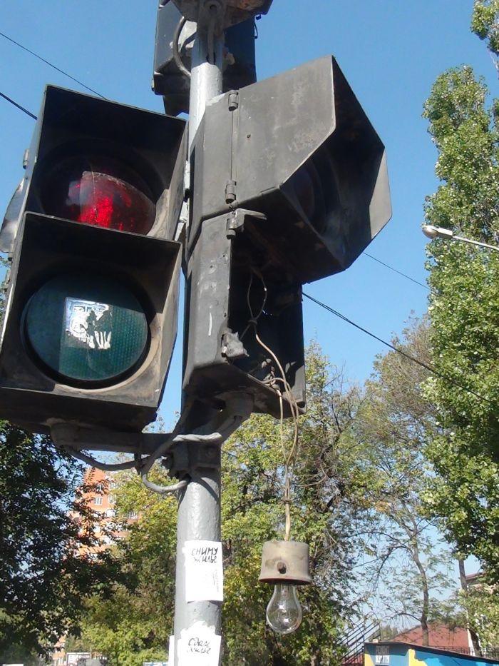 В центре Мариуполя фура разнесла светофор (ФОТО), фото-2