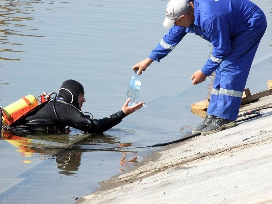 В Донецкой области ремонтируют канал питьевой воды, чтобы она не «орошала камыши и кустарники» (фото) - фото 4