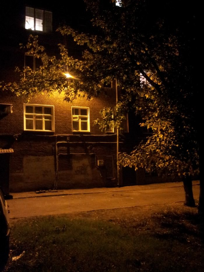 В Мариуполе всем миром осветили  уютный дворик в центре (ФОТО), фото-3
