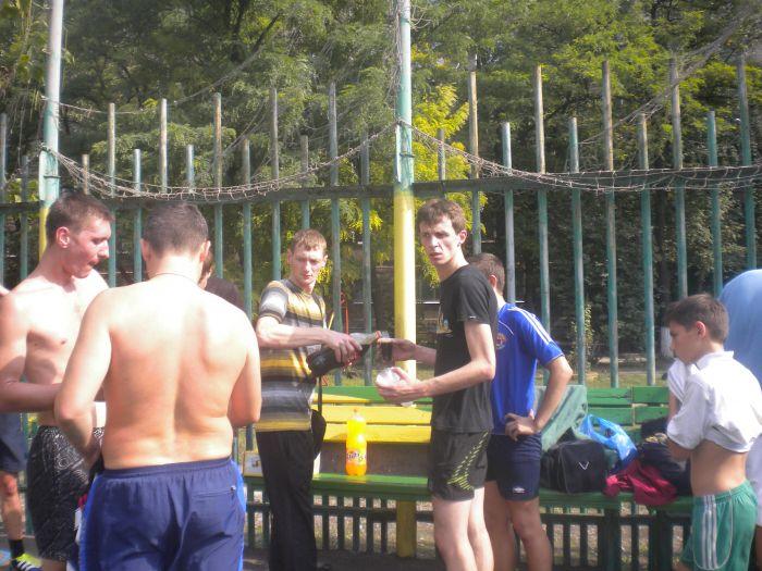 В Мариуполе сложные подростки получили «разрядку» на футбольном поле (ФОТО), фото-4