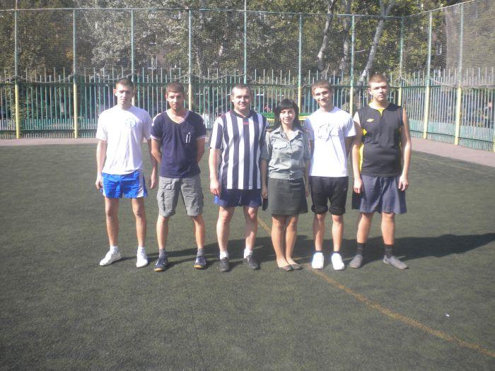 В Мариуполе сложные подростки получили «разрядку» на футбольном поле (ФОТО), фото-2