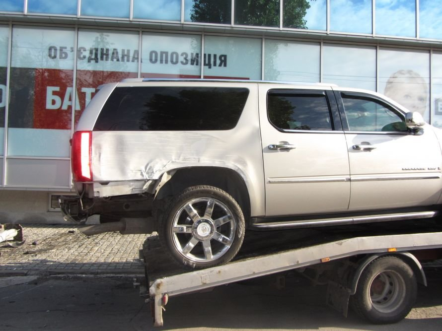 В Днепропетровске Яценюк стал жертвой пьяного водителя (ФОТОРЕПОРТАЖ), фото-4