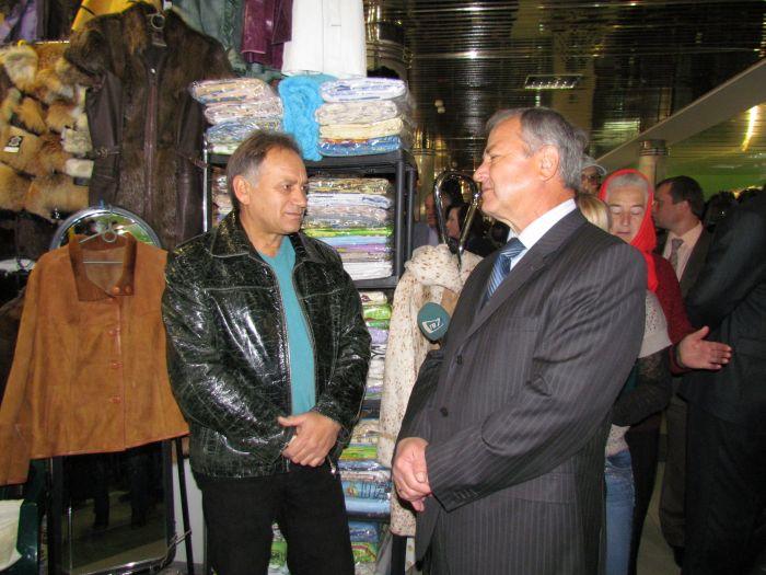 Городской голова на выставке-ярмарке заманивал иногородних товаропроизводителей в Мариуполь  (ФОТО), фото-1