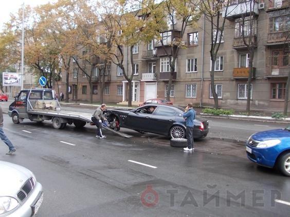 Подробности мажорного ДТП в Одессе: Мазерати просто не заметил Мерседес, фото-1