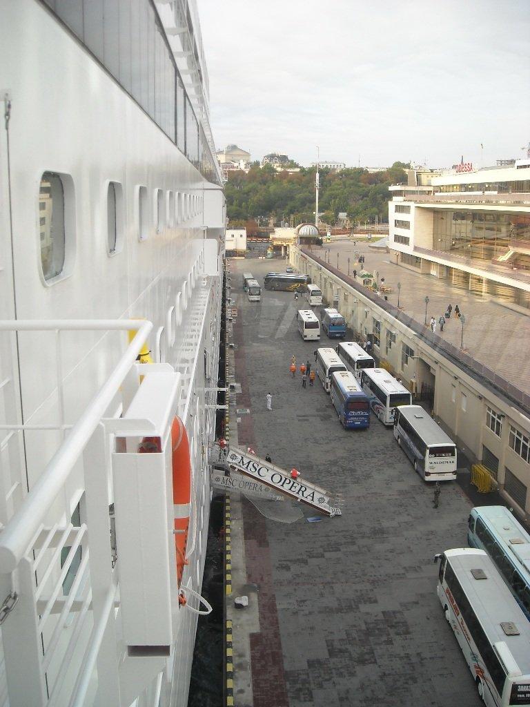Сегодня сказочный лайнер увезет из Одессы сотни украинцев в незабываемое турне, фото-2