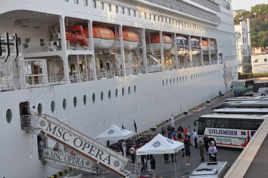 Сегодня сказочный лайнер увезет из Одессы сотни украинцев в незабываемое турне, фото-1