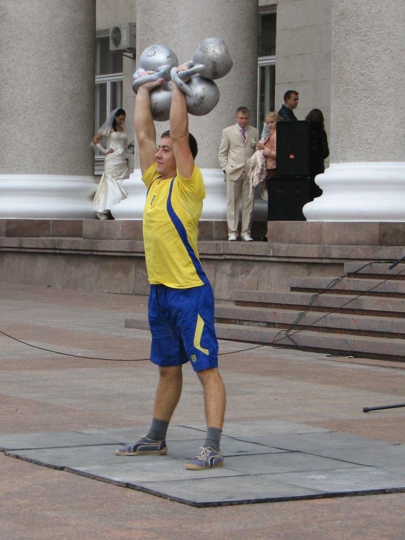 День казачества в Кировограде отметили гиревым жонглированием и боевым гопаком, фото-2