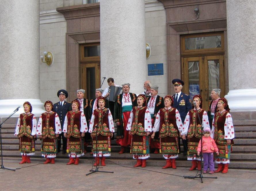 День казачества в Кировограде отметили гиревым жонглированием и боевым гопаком, фото-1
