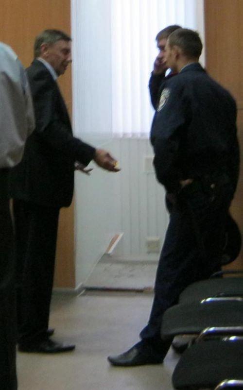 Председатель Кировского райсуда Днепропетровска напал на судью (ФОТО), фото-1