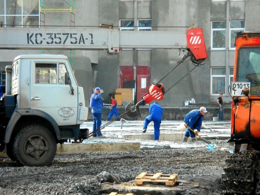 В Кривом Роге не успели отремонтировать театр в срок: работа все еще кипит (ФОТО), фото-4