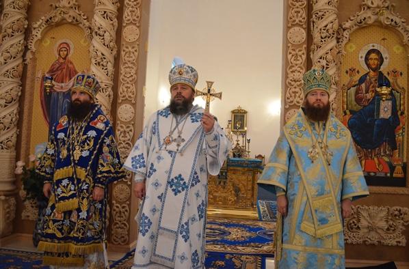 На праздник Покрова в Кривом Роге освятили новый собор (ФОТО), фото-4