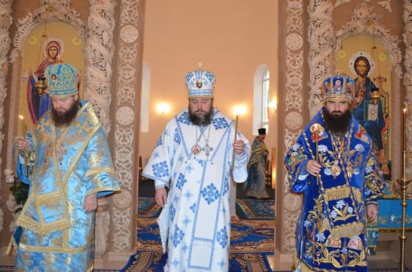 На праздник Покрова в Кривом Роге освятили новый собор (ФОТО), фото-6