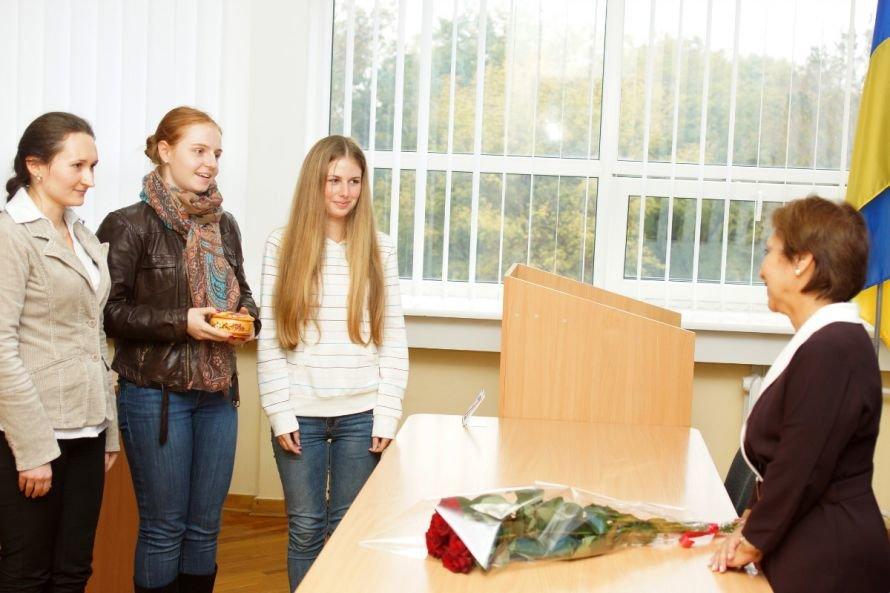 В Днепропетровске посол Аргентины общалась со студентами о космосе и литературе (ФОТО), фото-3