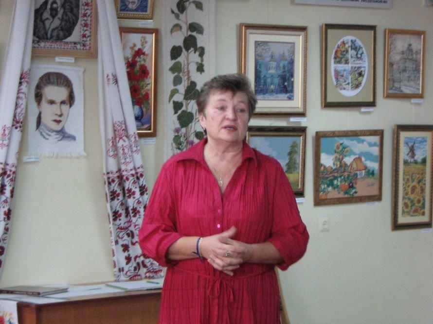 Преданные фанаты кировоградских актеров посвятили им выставку, фото-1