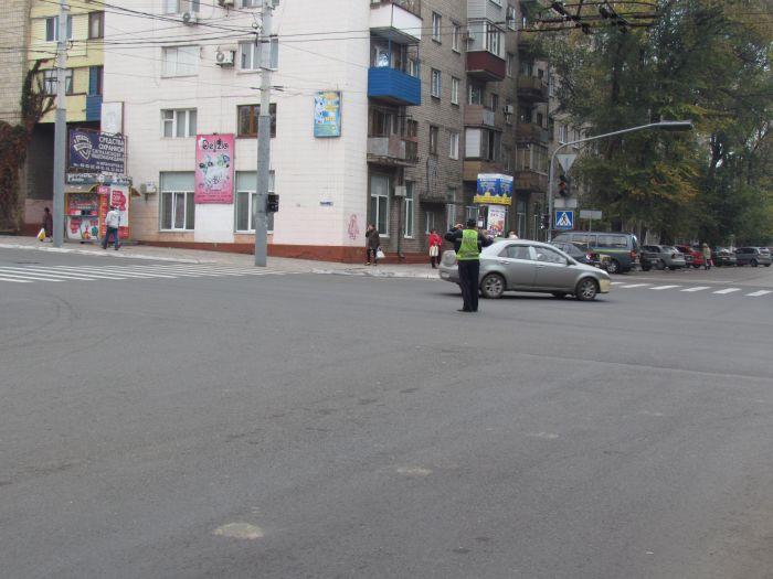 Посторонись: в Мариуполе ради министра Близнюка отключили светофоры. Водители  жалуются(ФОТО), фото-1