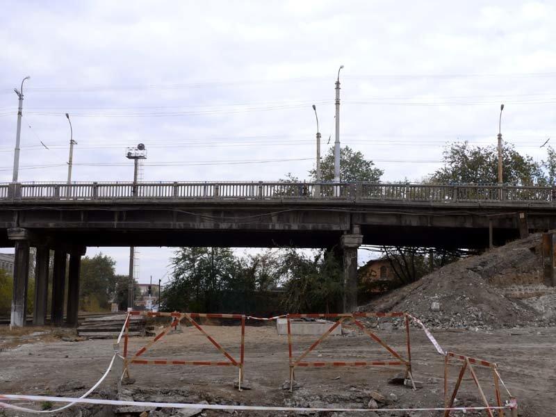 В центре Луганска появился террикон (ФОТО), фото-1