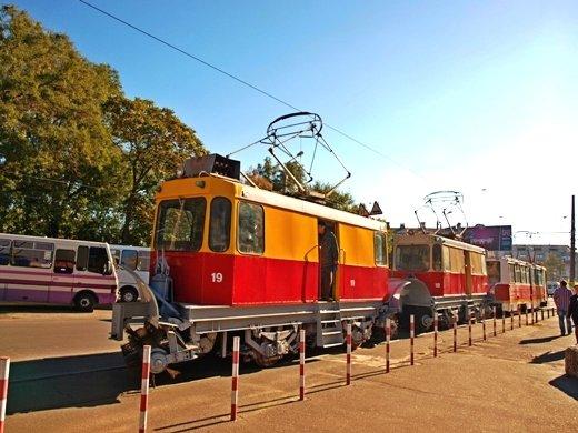 В Одессе испытывали снегоуборочные трамваи (Фото), фото-1