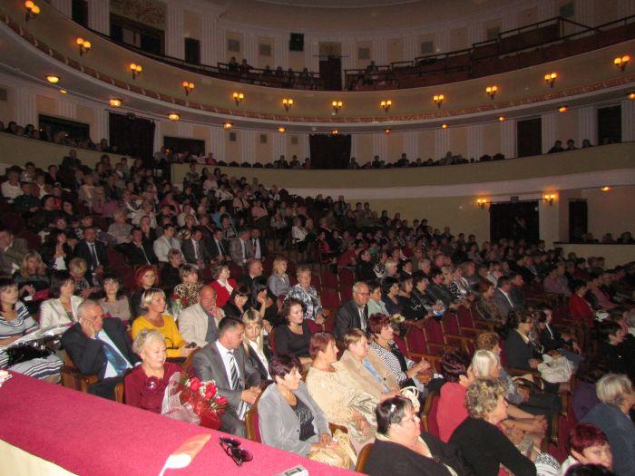 Правительство оценило мариупольский «...двор» (ФОТО), фото-14