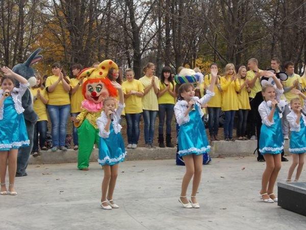 На торжественном открытии артемовского скейт-парка «Крутые виражи» благоустройство объекта обещали закончить весной, фото-3