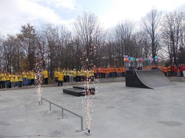 На торжественном открытии артемовского скейт-парка «Крутые виражи» благоустройство объекта обещали закончить весной, фото-7