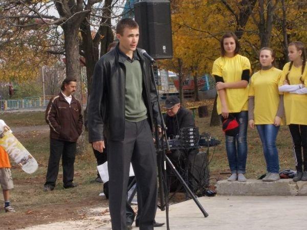 На торжественном открытии артемовского скейт-парка «Крутые виражи» благоустройство объекта обещали закончить весной, фото-2