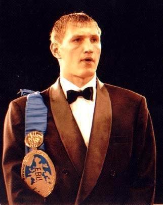 Мариупольский боксер Александр Гуров завтра  встретится c бразильцем, фото-1