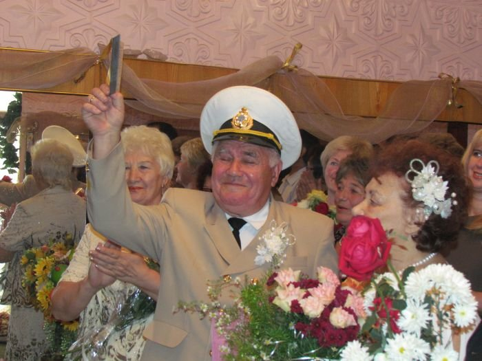 В Мариуполе  через полвека супруги Берестовые ступили на рушник и надели обручальные кольца (ФОТО), фото-4