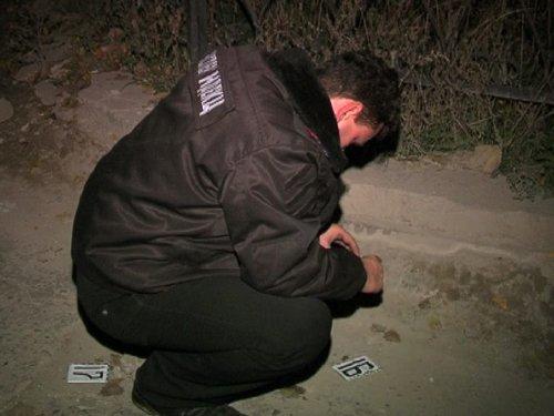 Без выходных: в Мариуполе милиционер по пути в гости задержал серийного грабителя (ФОТО), фото-2
