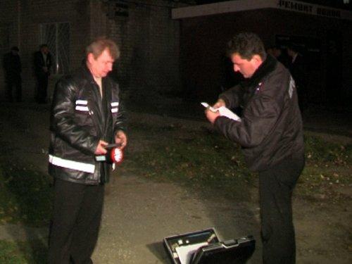 Без выходных: в Мариуполе милиционер по пути в гости задержал серийного грабителя (ФОТО), фото-1