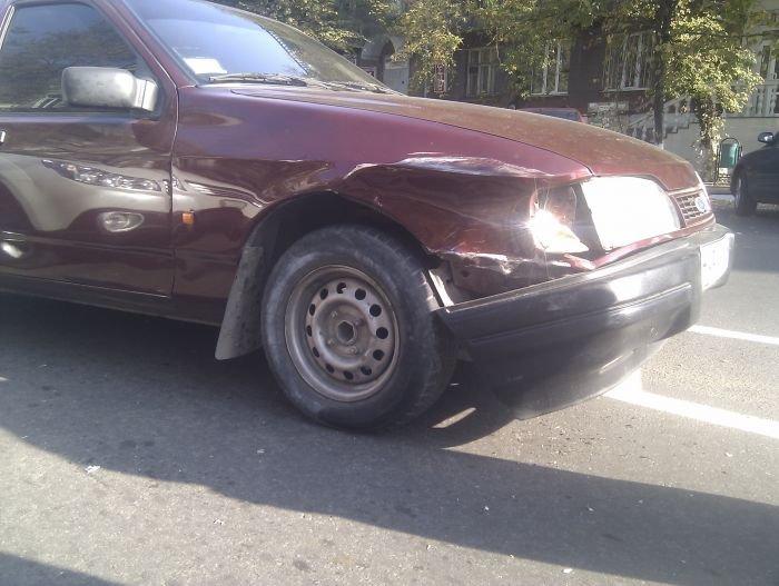В Мариуполе  автомобилисты «догоняли» друг друга (Фотофакт), фото-2