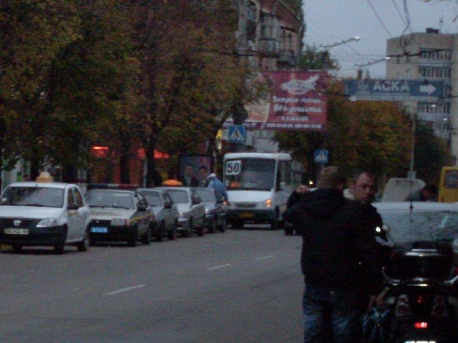 Некоторым кировоградским маршрутчикам закон не писан (Фото), фото-1