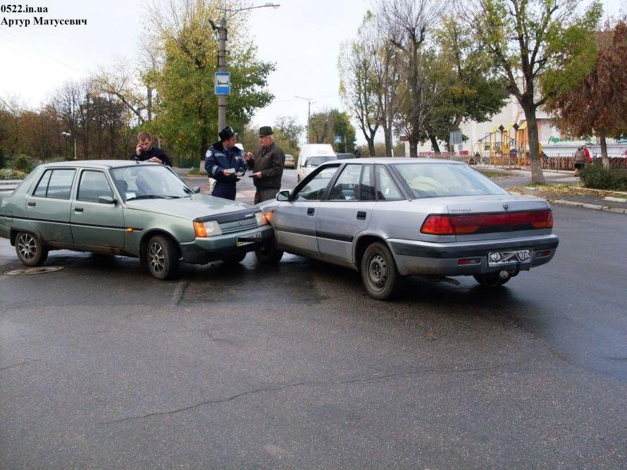В Кировограде иностранцы таранят отечественные авто (Фото), фото-1