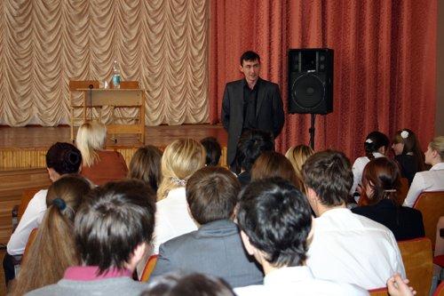 Мариупольским подросткам объяснили, что воровать мобильные телефоны у одноклассников нехорошо (ФОТО), фото-1