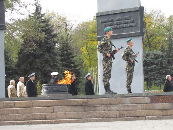 В Мариуполе почтили память воинов-освободителей (ФОТОРЕПОРТАЖ), фото-4