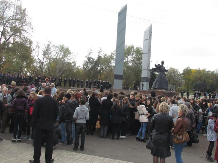 В Мариуполе почтили память воинов-освободителей (ФОТОРЕПОРТАЖ), фото-1