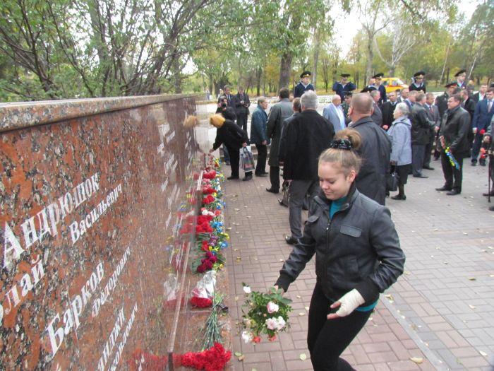 В Мариуполе почтили память воинов-освободителей (ФОТОРЕПОРТАЖ), фото-8