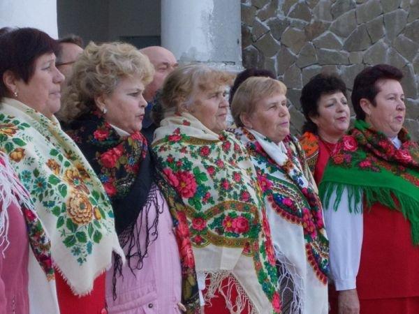В Артемовске годовщину освобождения Украины от немецко-фашистских захватчиков отмечали песнями и танцами, фото-2