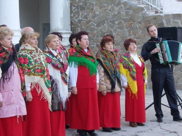 В Артемовске годовщину освобождения Украины от немецко-фашистских захватчиков отмечали песнями и танцами, фото-3