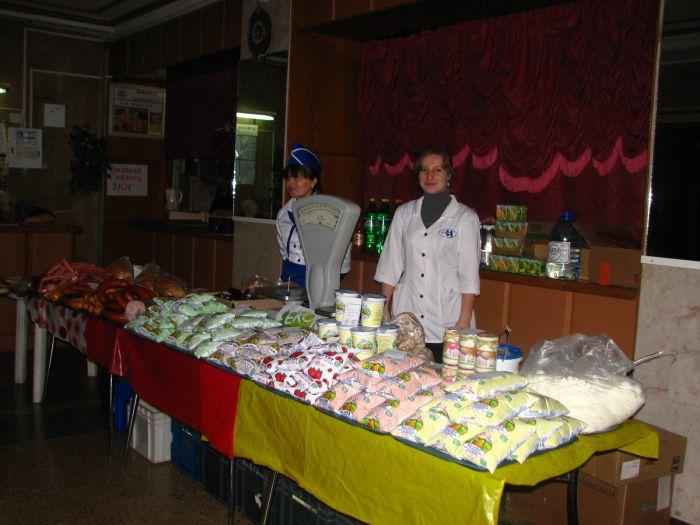 Мариупольцев заманивают на избирательные участки бутербродами (ФОТО), фото-3