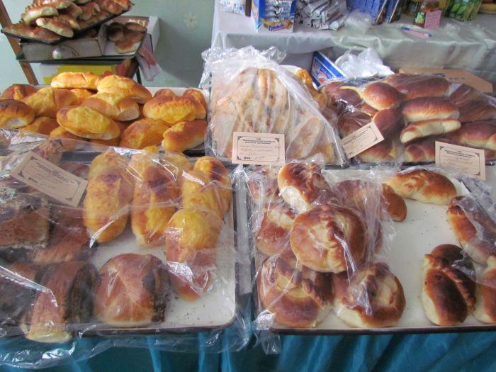 Мариупольцев заманивают на избирательные участки бутербродами (ФОТО), фото-5